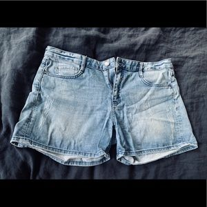 FC jeans lightly distressed jean shorts